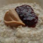 Peanut oats porridge