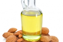Almond-oil-mandorla