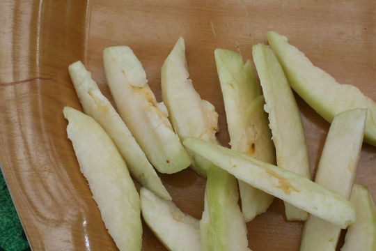Sliced--Ambarella-fruit