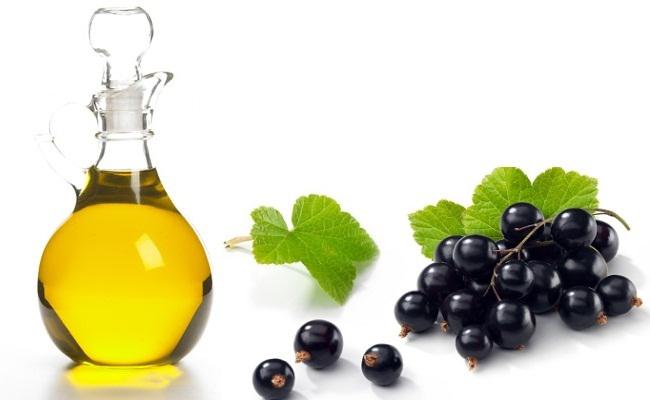 Black-currant-seed-oil-Mustaherukka