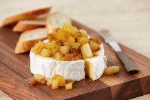 Brie-with-Ginger-Pear-Compote