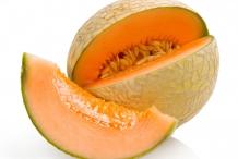 Cantaloupe-half-cut