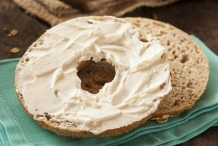 Wheat bagel  with Cream cheese