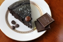 Dark-chocolate-coconut-cake