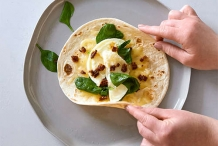 Egg-white-and-spinach-wrap
