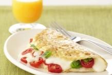 Tomato-Mozzarella-Egg-White-Omelet