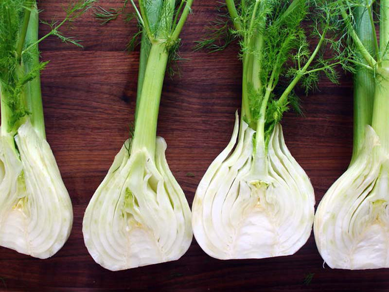 Fennel-bulb-half-cut
