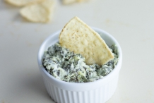 Greek-yogurt-artichoke-spinach-dip