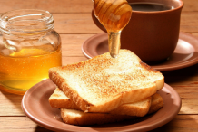 Honey-on-the-toast-bread