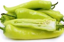 Hungarian-pepper-half-cut