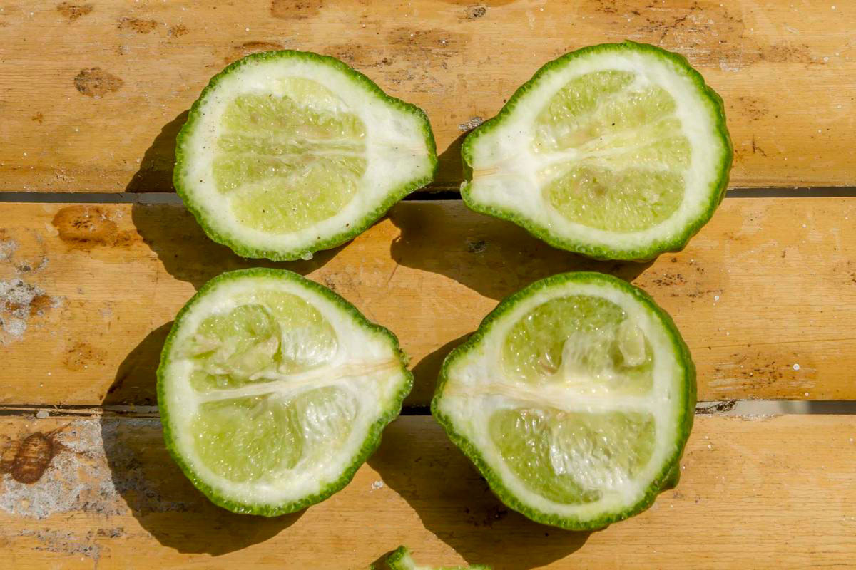 Half-cut-Kaffir-Lime