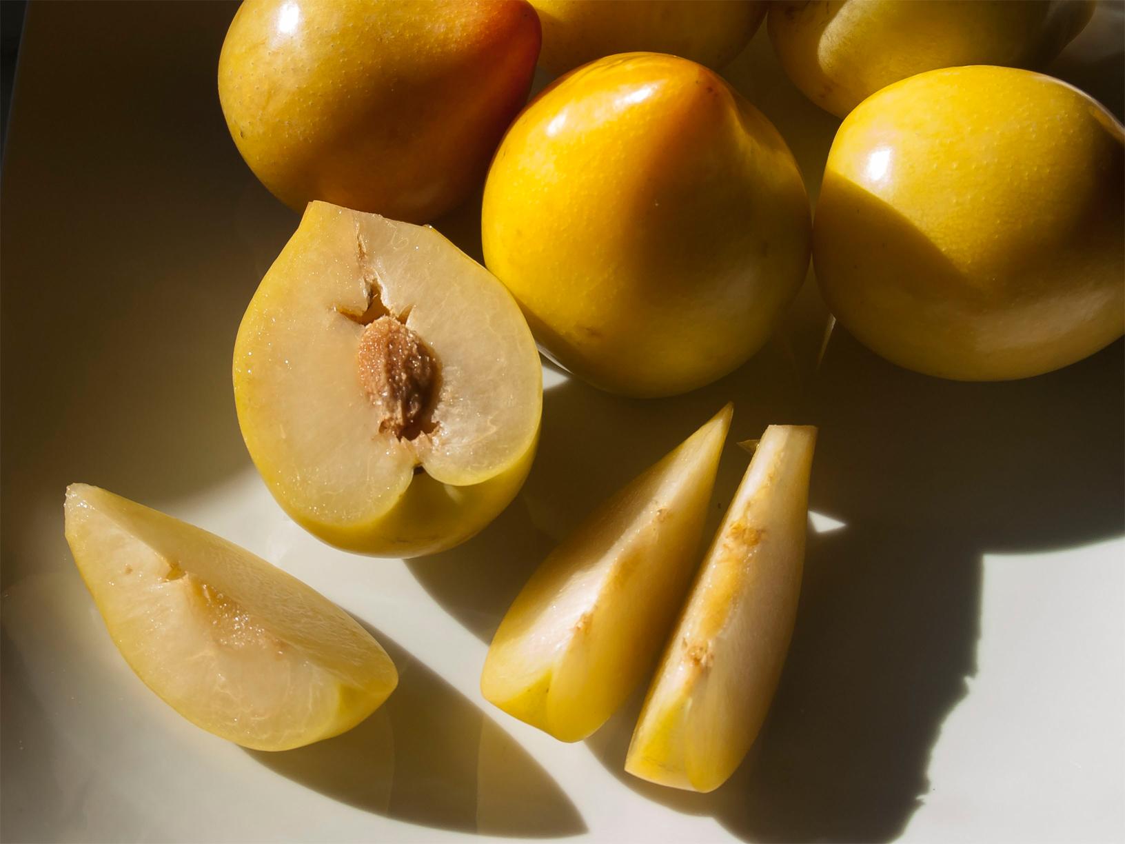 Lemon-plum-flesh-with-seed