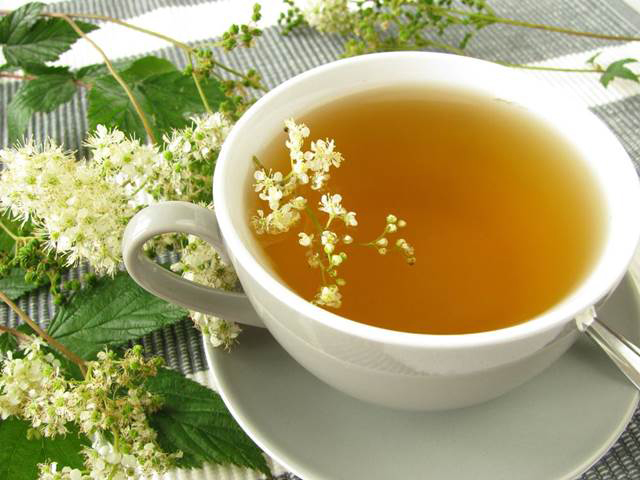 Meadowsweet-tea