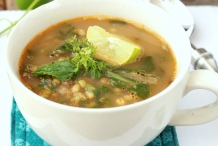 Sprouted-Mung-Bean-and-Spinach-Soup-Recipe