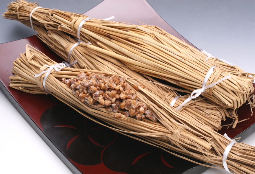 Natto-wrapped-in-straw