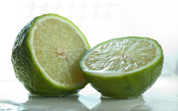 Half-cut-Persian-Lime-fruit