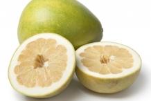 Half-cut-Pomelo-fruit