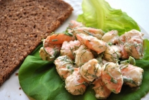 Shrimp-Salad-With-Butter-Lettuce-and-Pumpernickel-Bread