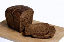 Half-cut-Pumpernickel-bread