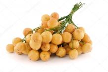 Bunch-of-Rambai-fruit