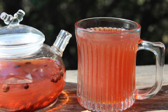Schizandra-berry-tea-and-extract