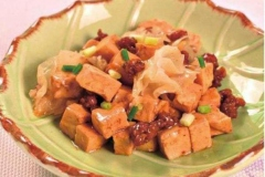 Chinese-Stir-fried-Tofu-With-Snow-fungus