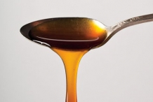 Spoonful-Sorghum-syrup
