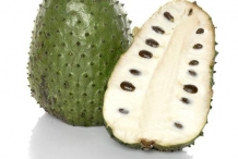 Soursop-fruit-cut