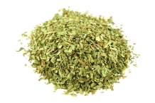 Tarragon-leaves-dried-and-crushed