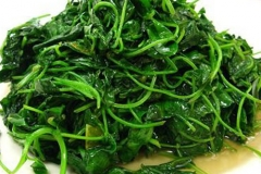 Chinese-white-wine-fried-with-toothed-bur-clover
