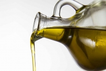 Pouring-Vegetable-oil
