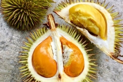Half-cut-Yellow-Durian-fruit