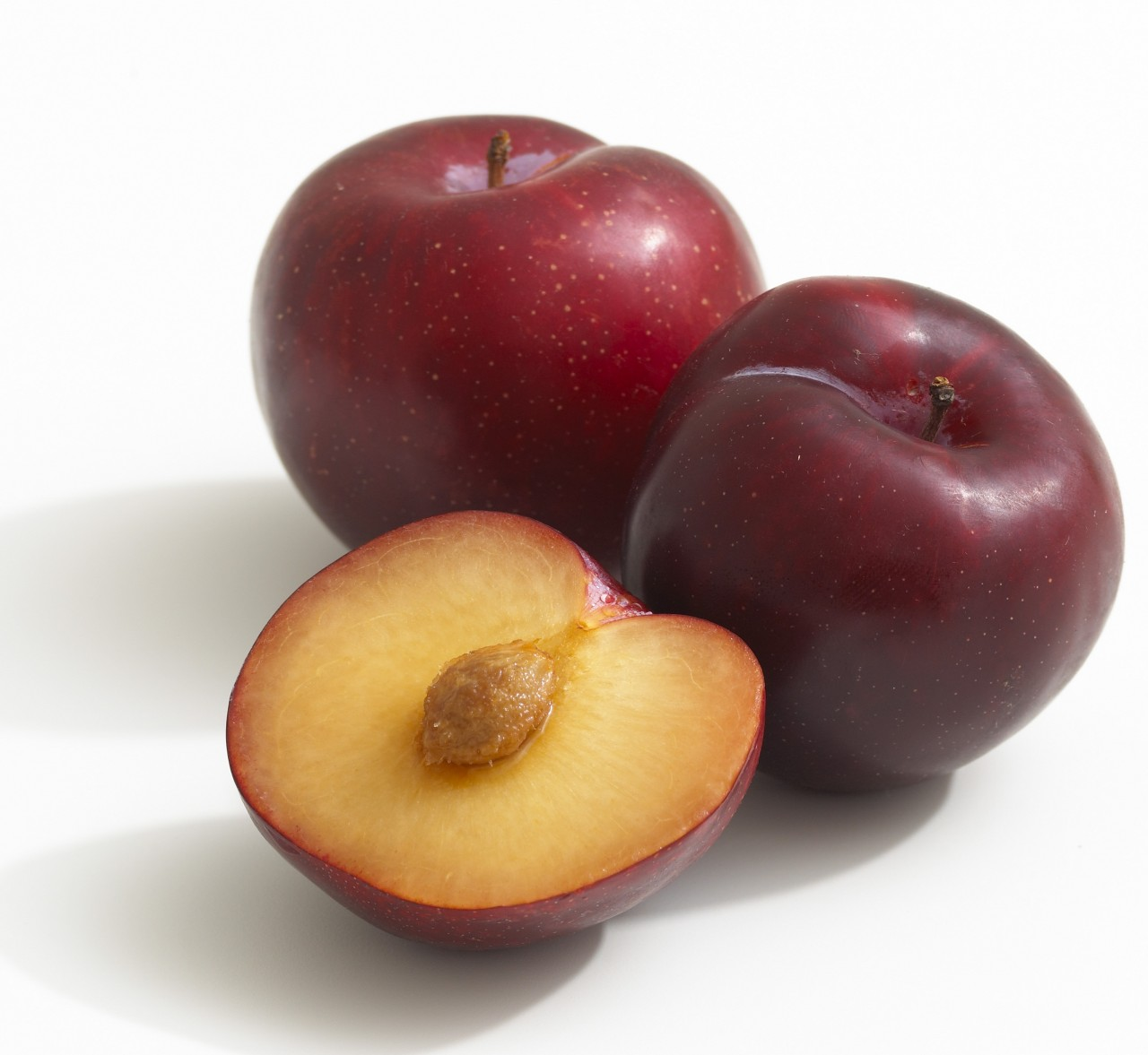 Plums facts and health benefits for Ciruela santa rosa