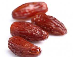 14 Dates health benefits and fruit nutrition facts