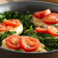 Chicken dish with tomatoes and mallow