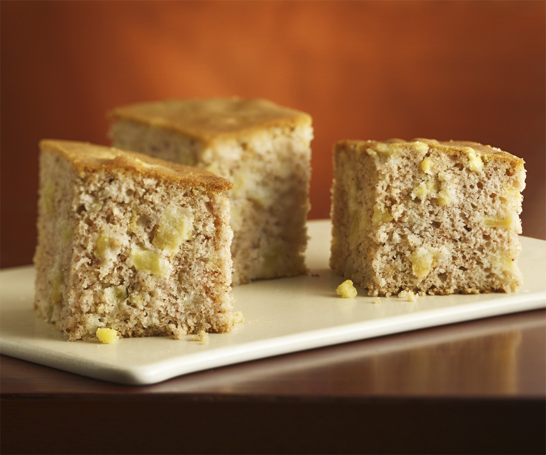Healthy Apple And Cinnamon Cake